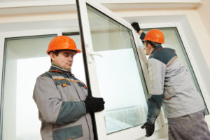 Der Preis für günstige Fenster aus Polen sollte auch die Montage umfassen.